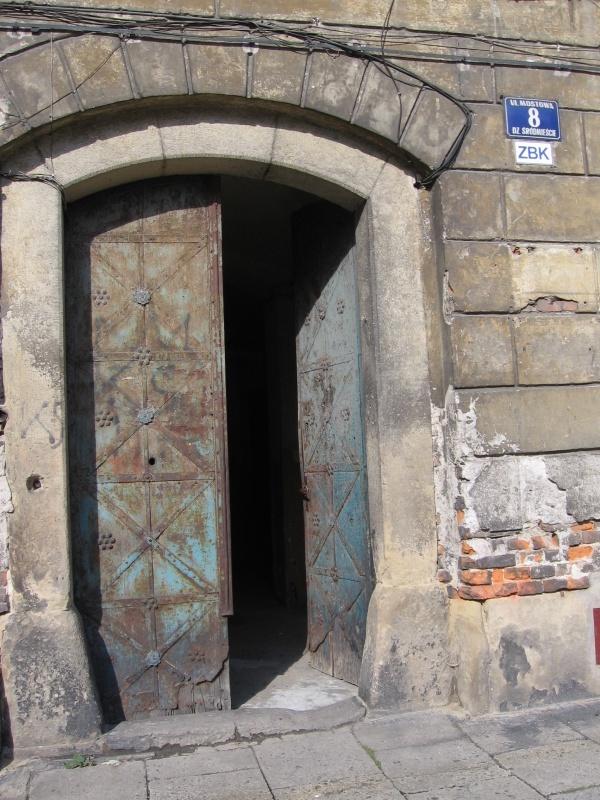 Brama do kamienicy przy ul. Mostowej 8