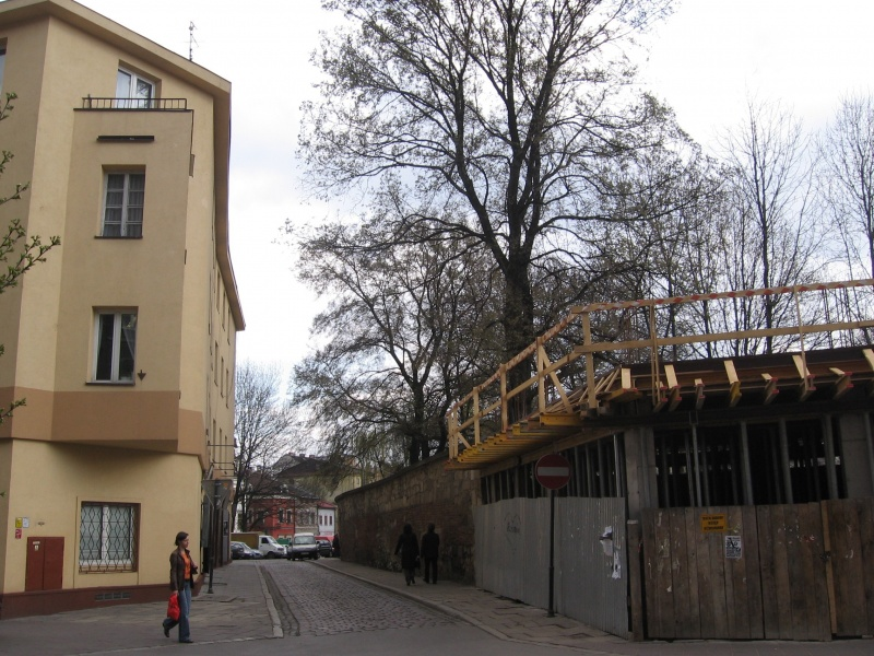 Construction of a new building at Miodowa 33