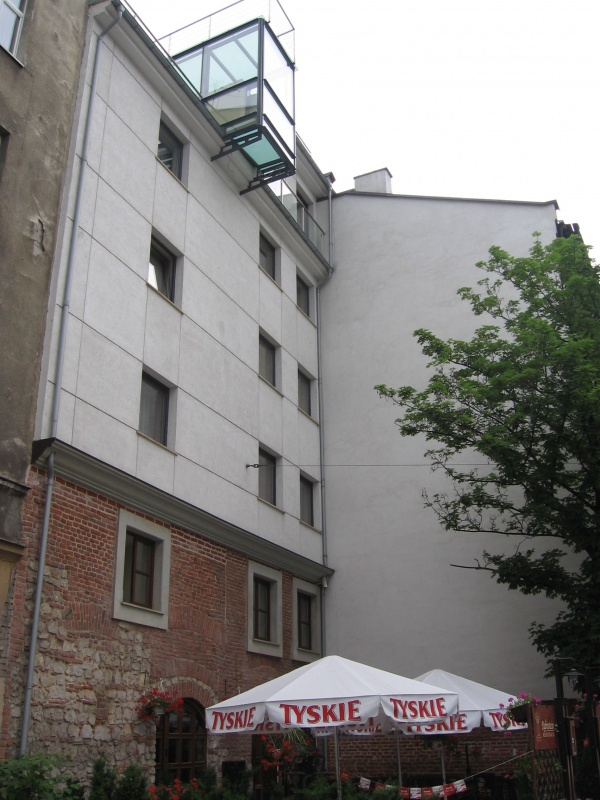 Building at no. 12 Szeroka street seen from Dajwór street