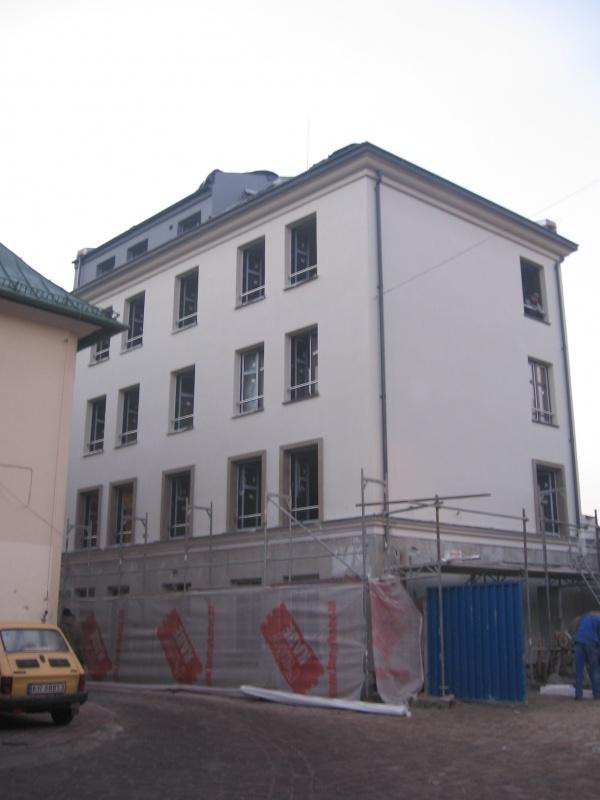 Całościowa przebudowa budynku przy ul. Ciemnej 13 w trakcie prac budowlanych