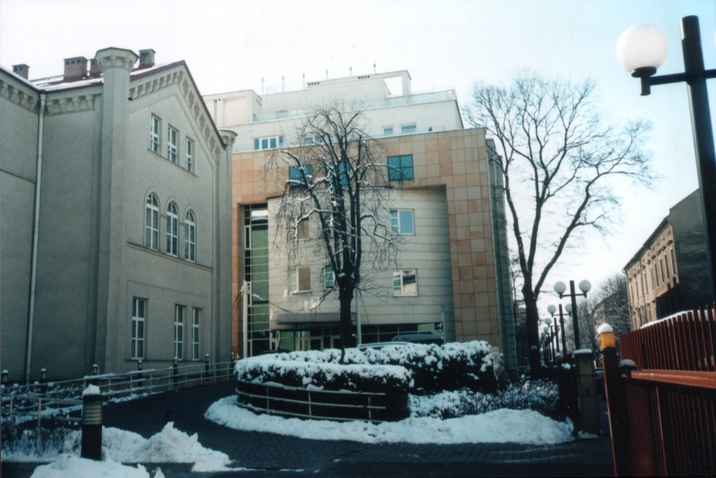 The former Jewish (now university) hospital on Skawińska street