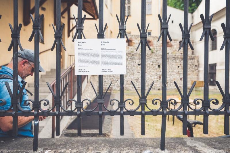 courtyard of Kupa Synagogue seen from Warszauera street