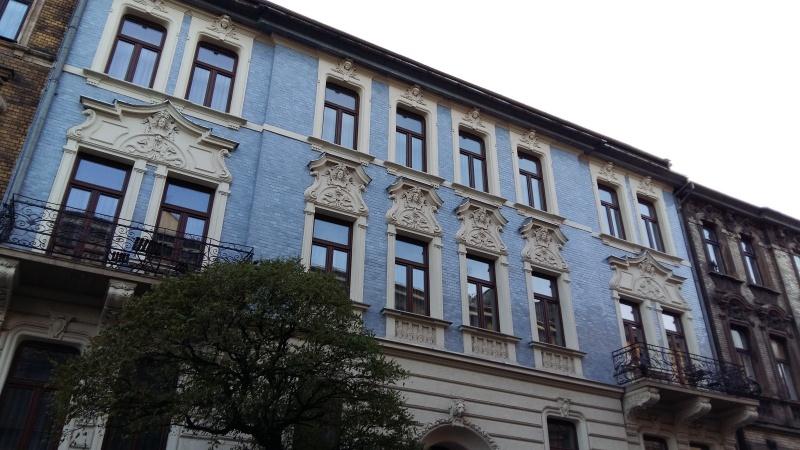 Facade of townhouse at 9 Wrzesińska street