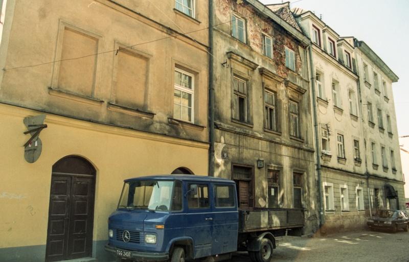 tenement facades, delivery car