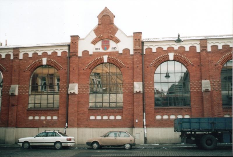 Hala maszyn dawnej elektrowni w 2004 roku