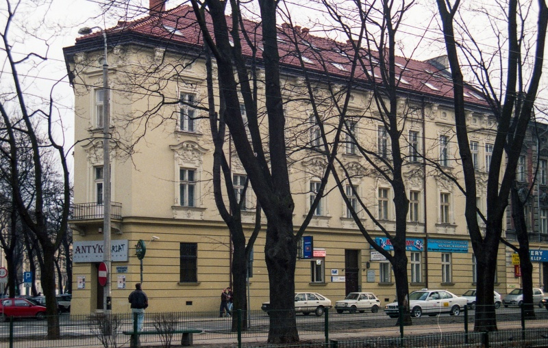 planty, trees, linia tramline, corner tenement, on the left street