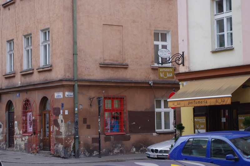 Corner tenement at 20 Józefa street and Nowa street; on the right building at 22 Józefa street