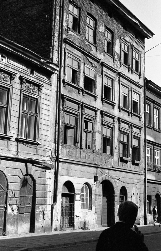 northern frontage of Józefa street
