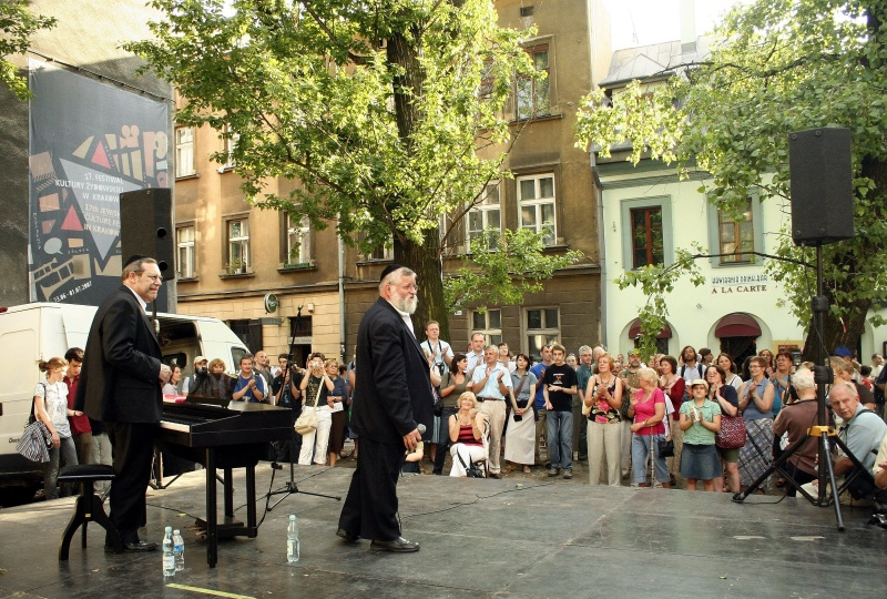 Concert on a square in Jakuba street during 17th Jewish Culture Festival