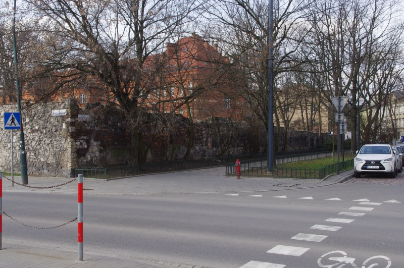 Wall at the junction of Mostowa and Podgórska street, view of Mostowa street