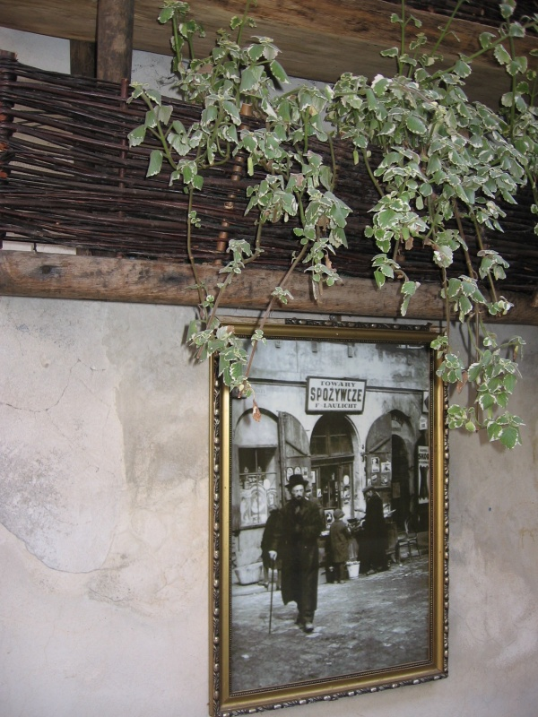 Nostalgic references to Jewish heritage displayed in the courtyard at no. 12 Józefa street