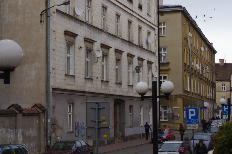 Northern frontage of Skawińska street; on the left building no. 5, exit of Augustiańska street and building no. 3