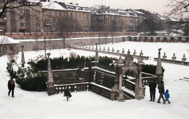 St. Stanislaus' pond, on the right garden, in the background tenements in Paulińska street