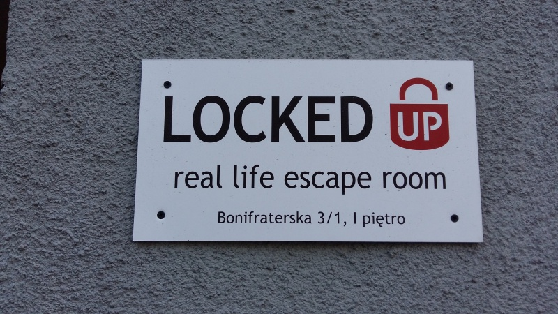 Szyld escape roomu Locked Up