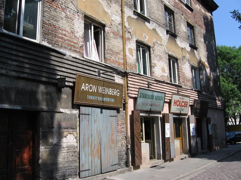 Dawno temu na Kazimierzu - kawiarniane szyldy jak z filmu o małym żydowskim miasteczku, disneylandyzacja przestrzeni miejskiej