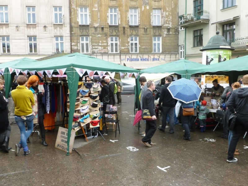 Arts and crafts fairs in Nowy square (4)