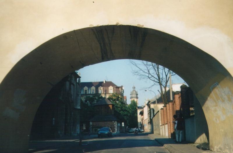 Ulica Skałeczna widok w stronę ulicy Krakowskiej i kościoła Bożego Ciała