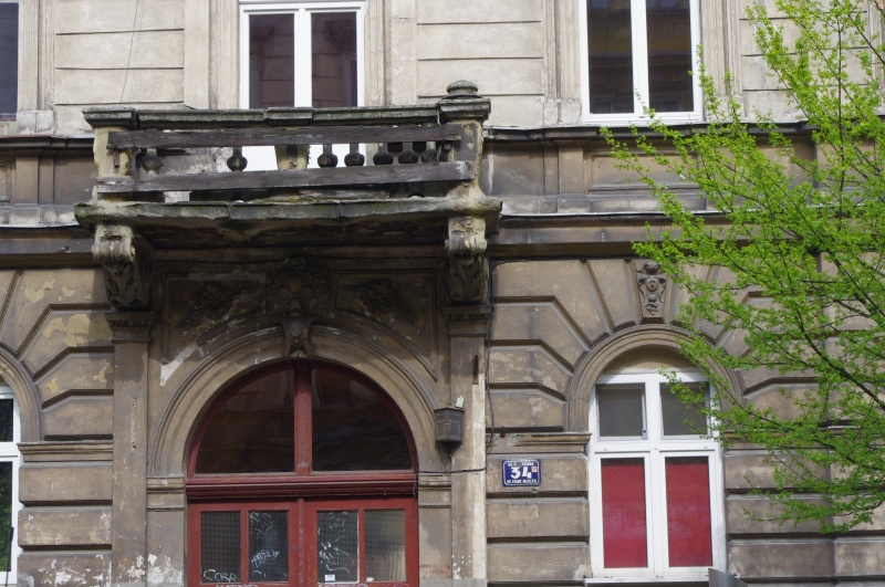 Entrance to tenement and balcony