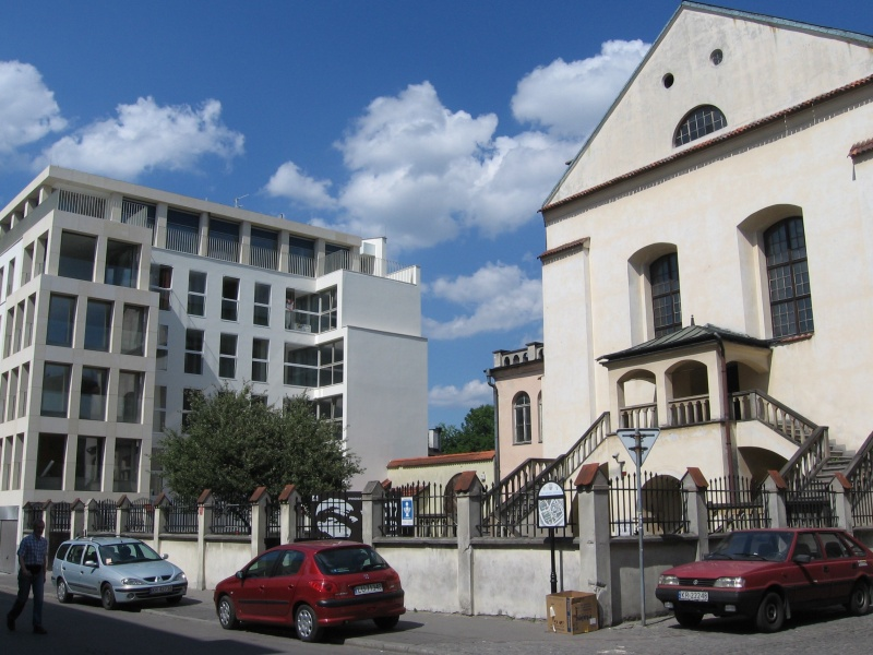 A view of Isaac synagogue and a new appartment building constructed next to it