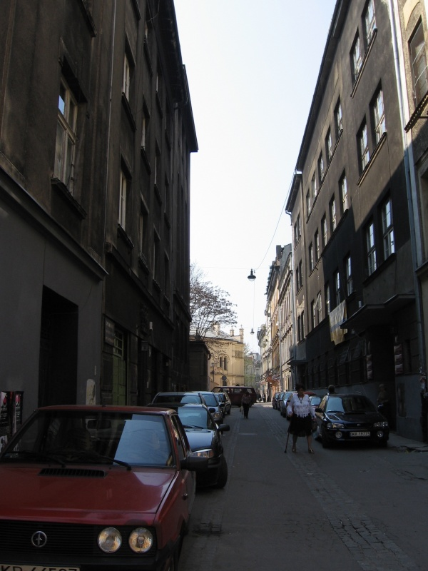A view of Podbrzezie street towards Tempel synagogue