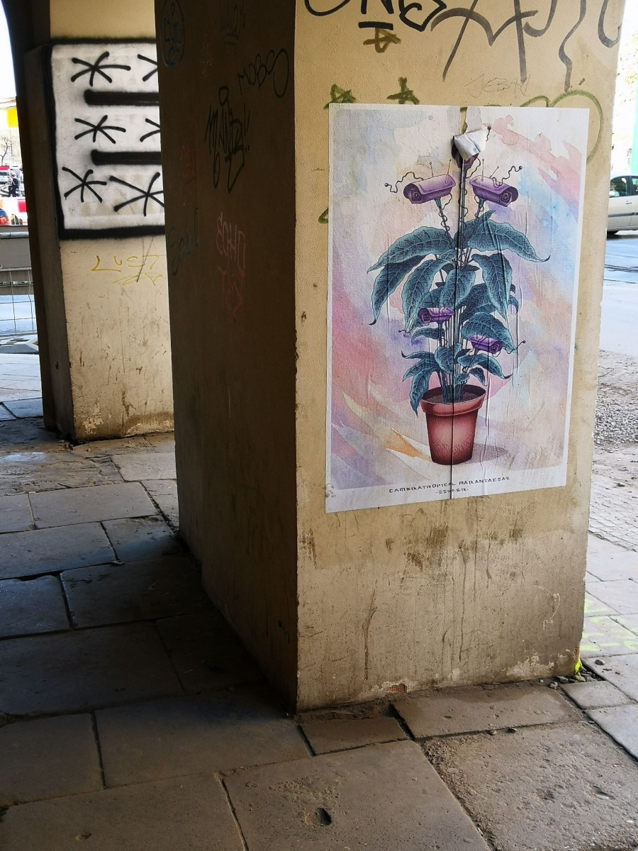 Wielobarwny street art wykonany techniką plakatu, autorstwo: Eskaer