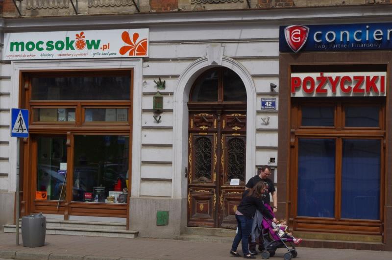 Shop windows on the groundfloor of Starowiślna street