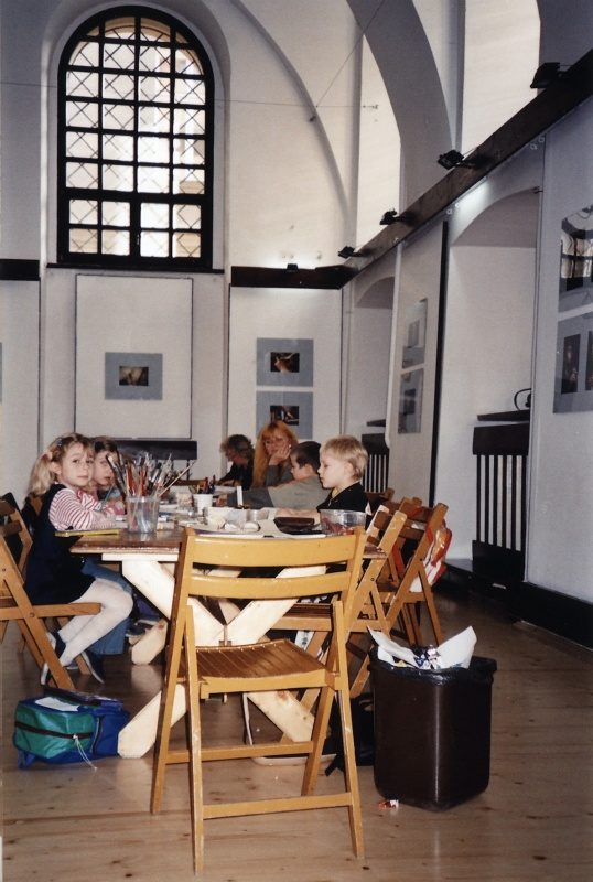 An artistic workshop for children in Popper's synagogue run by the local cultural centre
