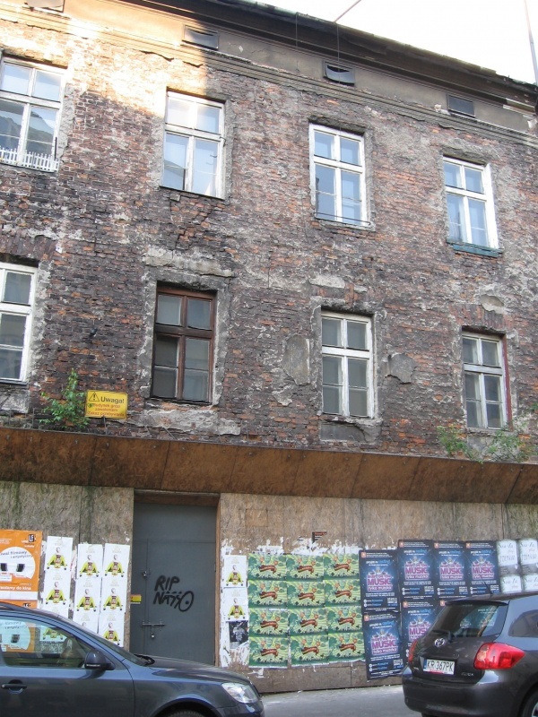 A dilapidated tenement house at no. 4 Kupa street